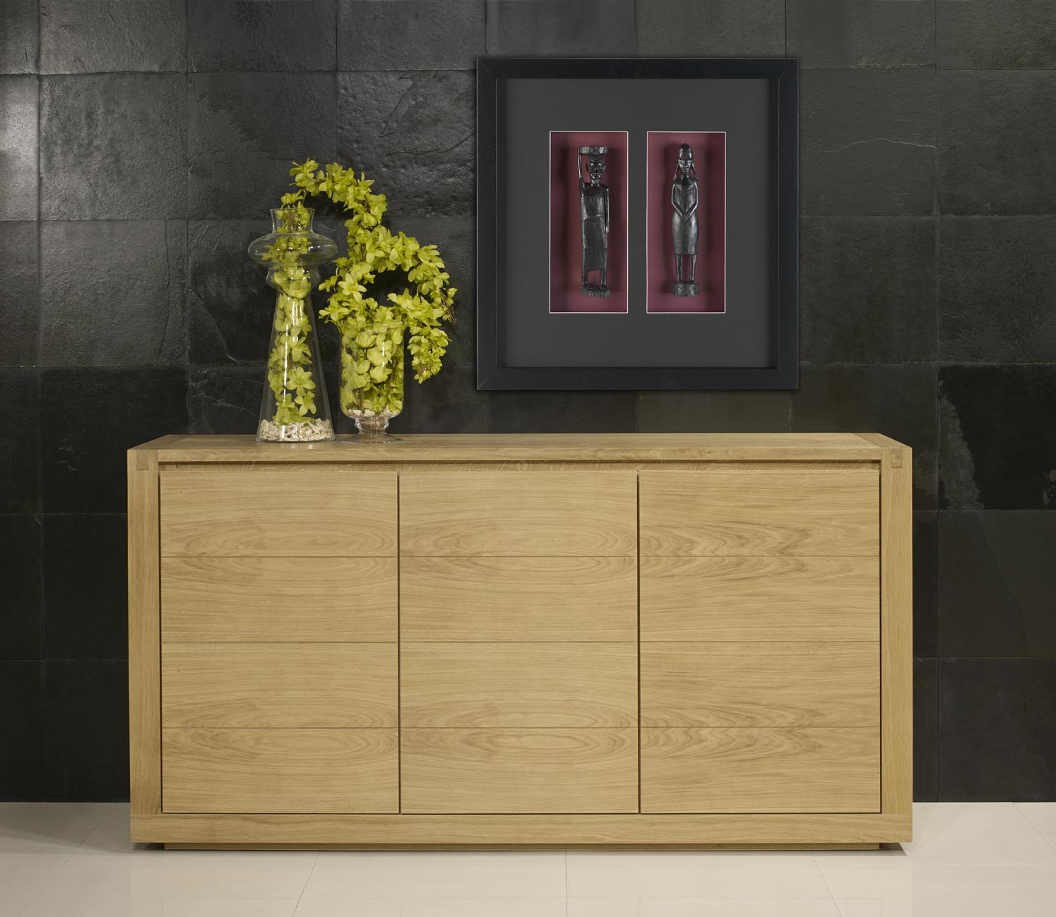 buffet 3 portes mathis en ch ne de style contemporain finition ch ne bross naturel meuble en. Black Bedroom Furniture Sets. Home Design Ideas