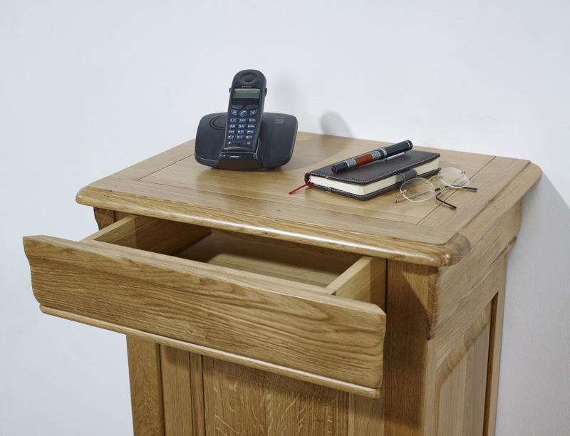 meuble t l phone jean manuel en ch ne massif de style louis philippe meuble en ch ne massif. Black Bedroom Furniture Sets. Home Design Ideas