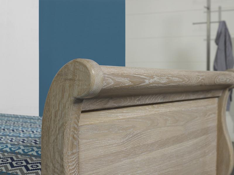 lit bateau mathis 90x190 en ch ne massif de style louis philippe finition ch ne naturel bross. Black Bedroom Furniture Sets. Home Design Ideas