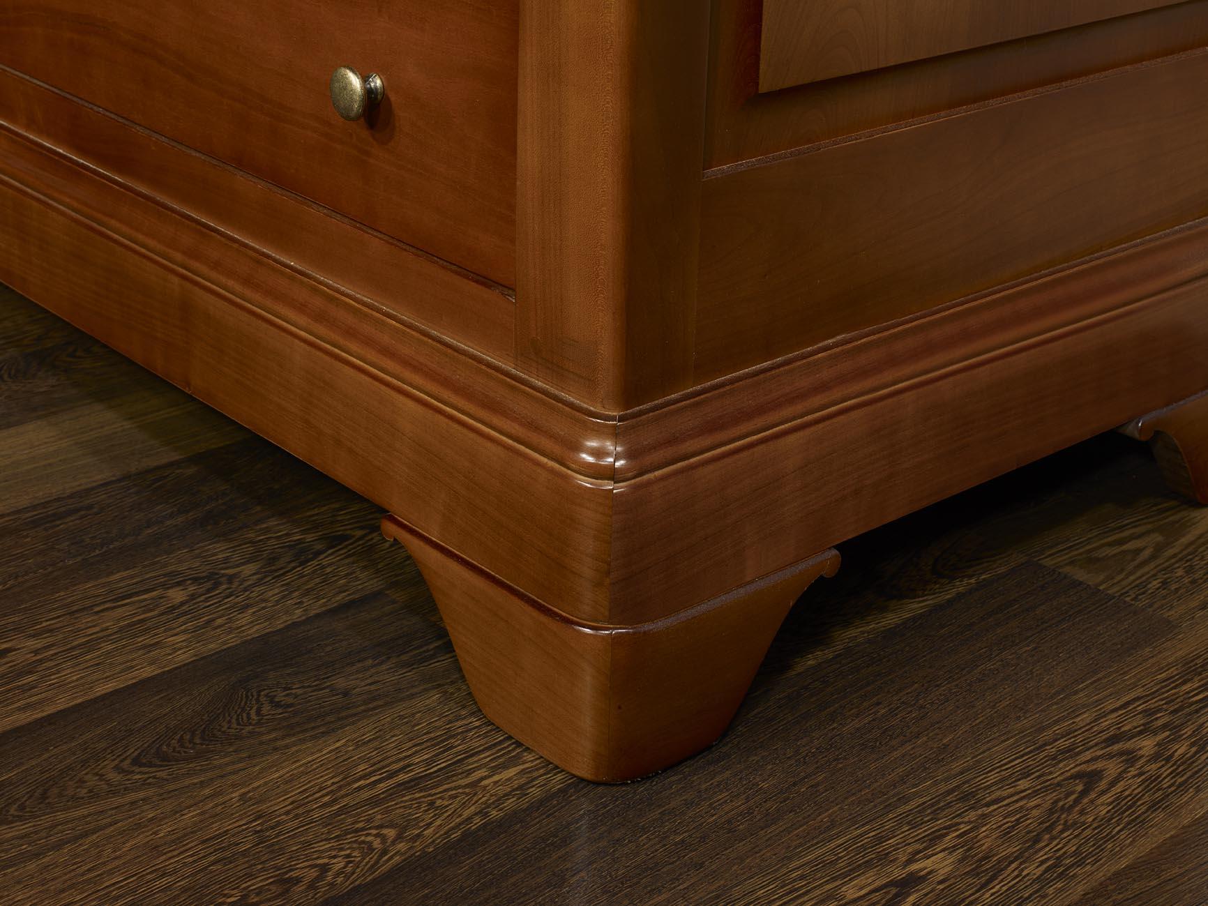commode 7 tiroirs en merisier massif de style louis. Black Bedroom Furniture Sets. Home Design Ideas