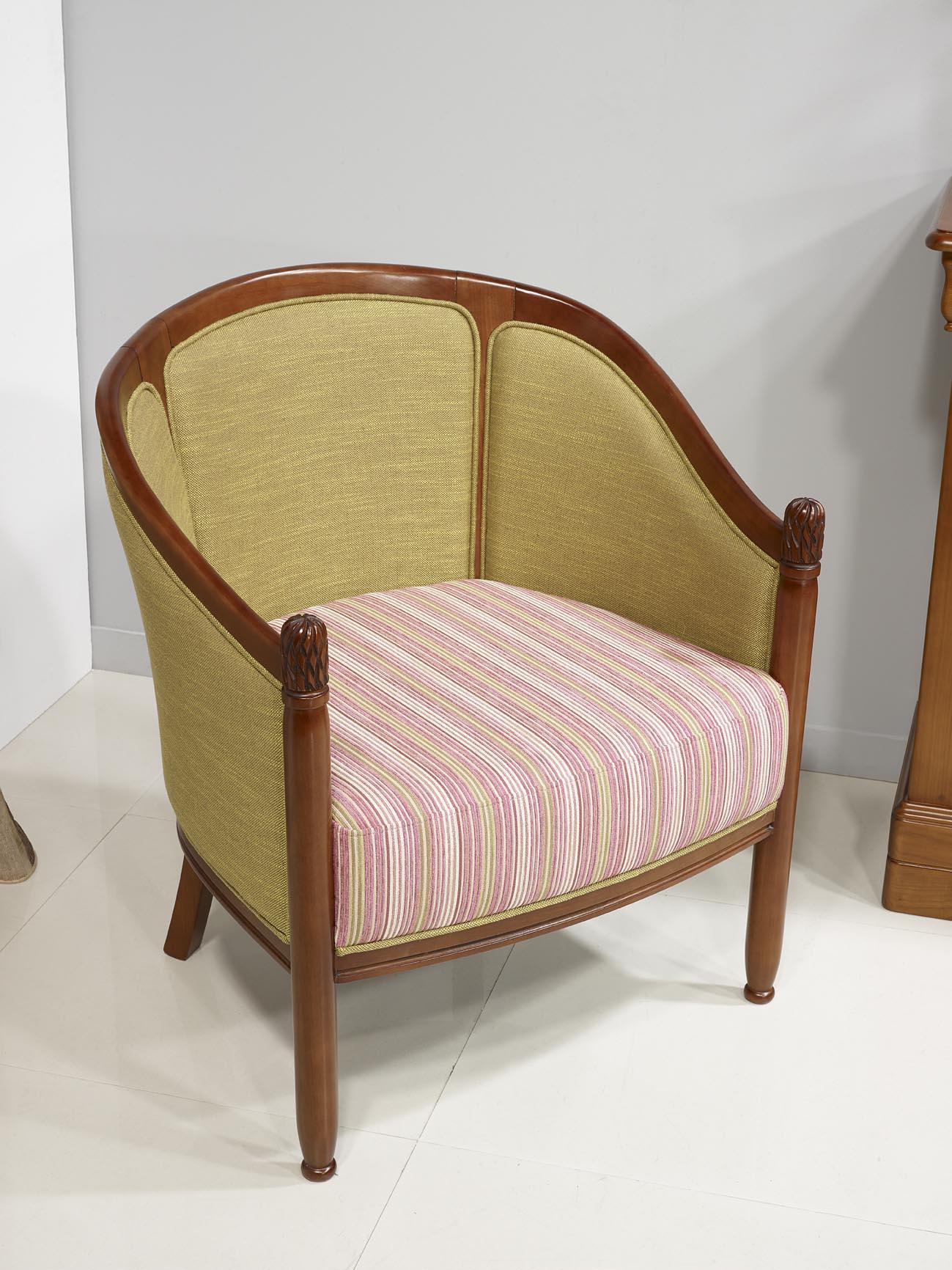 fauteuil cabriolet en h tre massif de style louis philippe. Black Bedroom Furniture Sets. Home Design Ideas