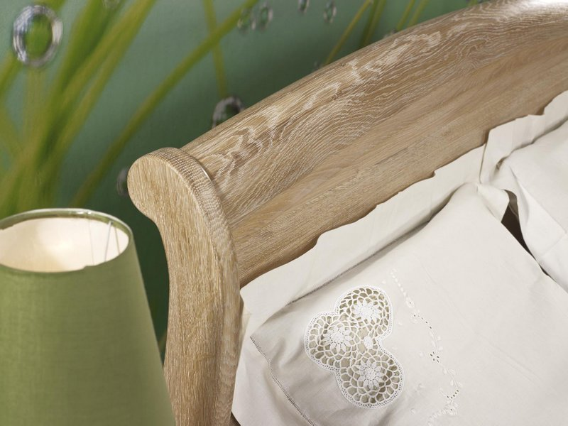lit 180x200 guillaume en ch ne massif de style louis philippe finition ch ne bross couchage. Black Bedroom Furniture Sets. Home Design Ideas