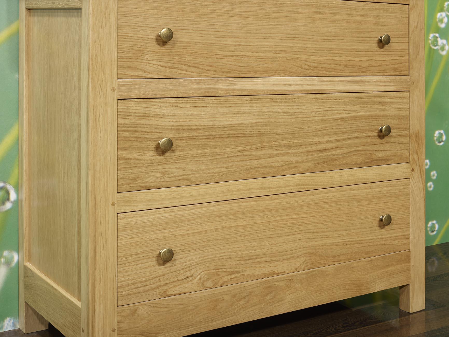 commode 3 tiroirs patrice en ch ne massif de stytle campagnard meuble en ch ne massif. Black Bedroom Furniture Sets. Home Design Ideas