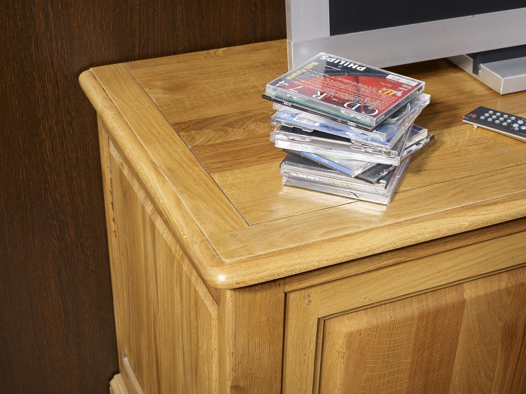 Meuble tv 16 9 me hugues en ch ne massif de style louis for Finition de meuble en bois