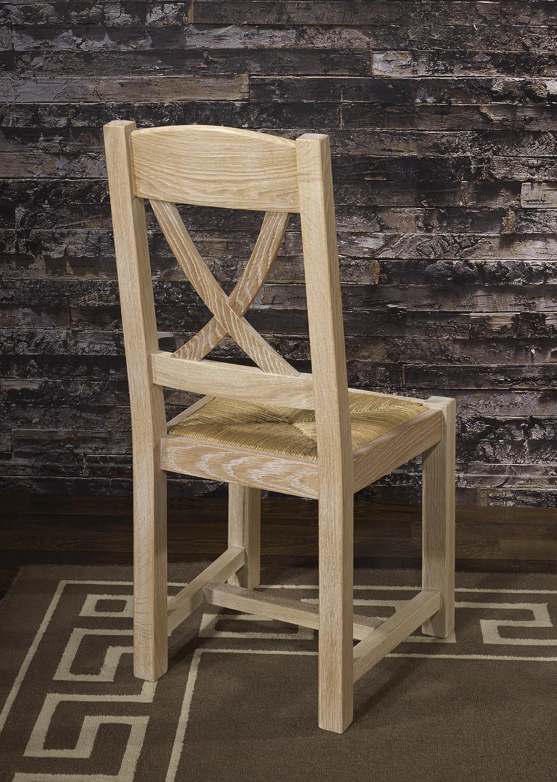 Chaise olivier en ch ne massif de style campagnard for Chaise en chene