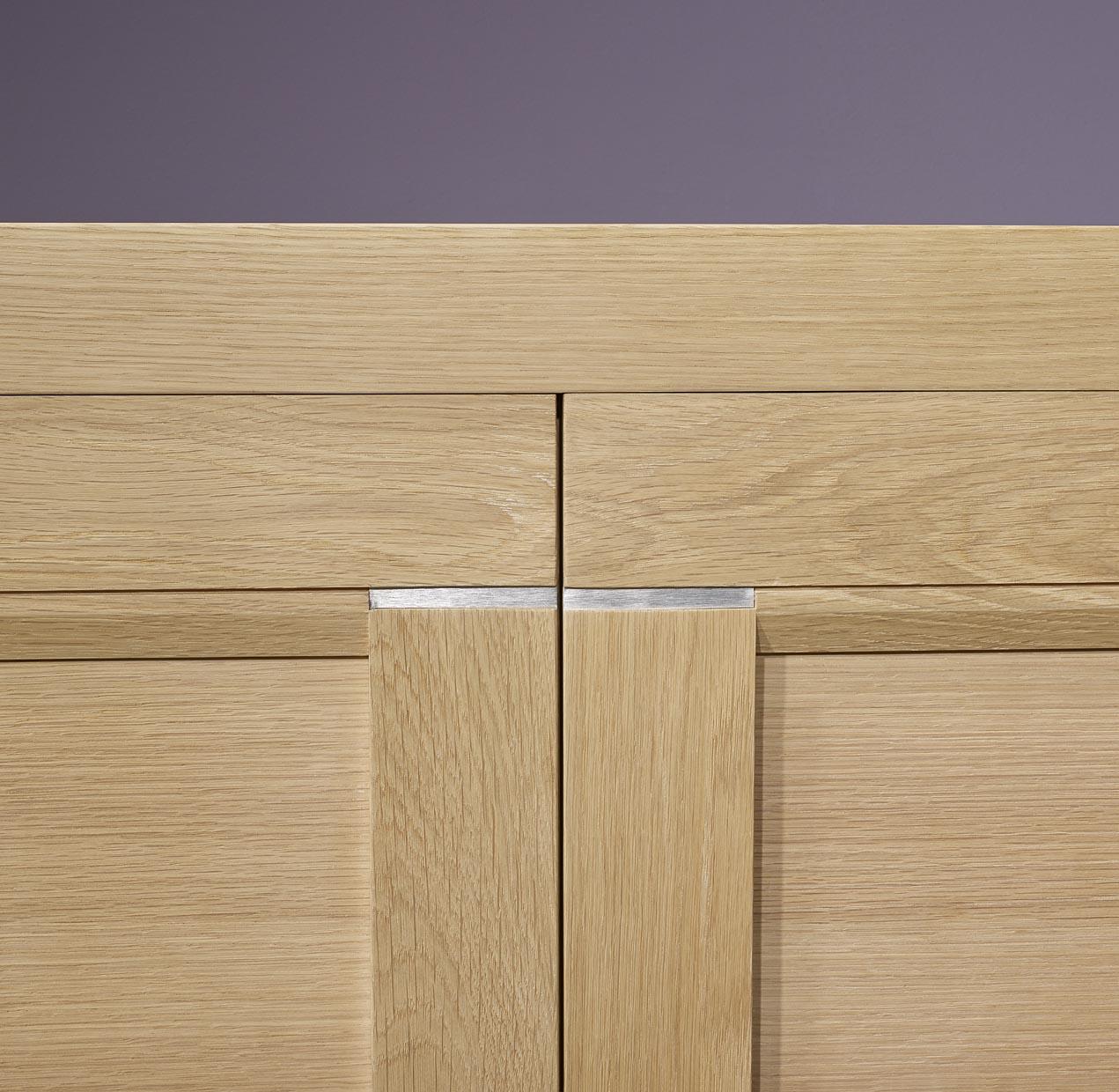 bahut 3 portes loann en ch ne massif de ligne. Black Bedroom Furniture Sets. Home Design Ideas