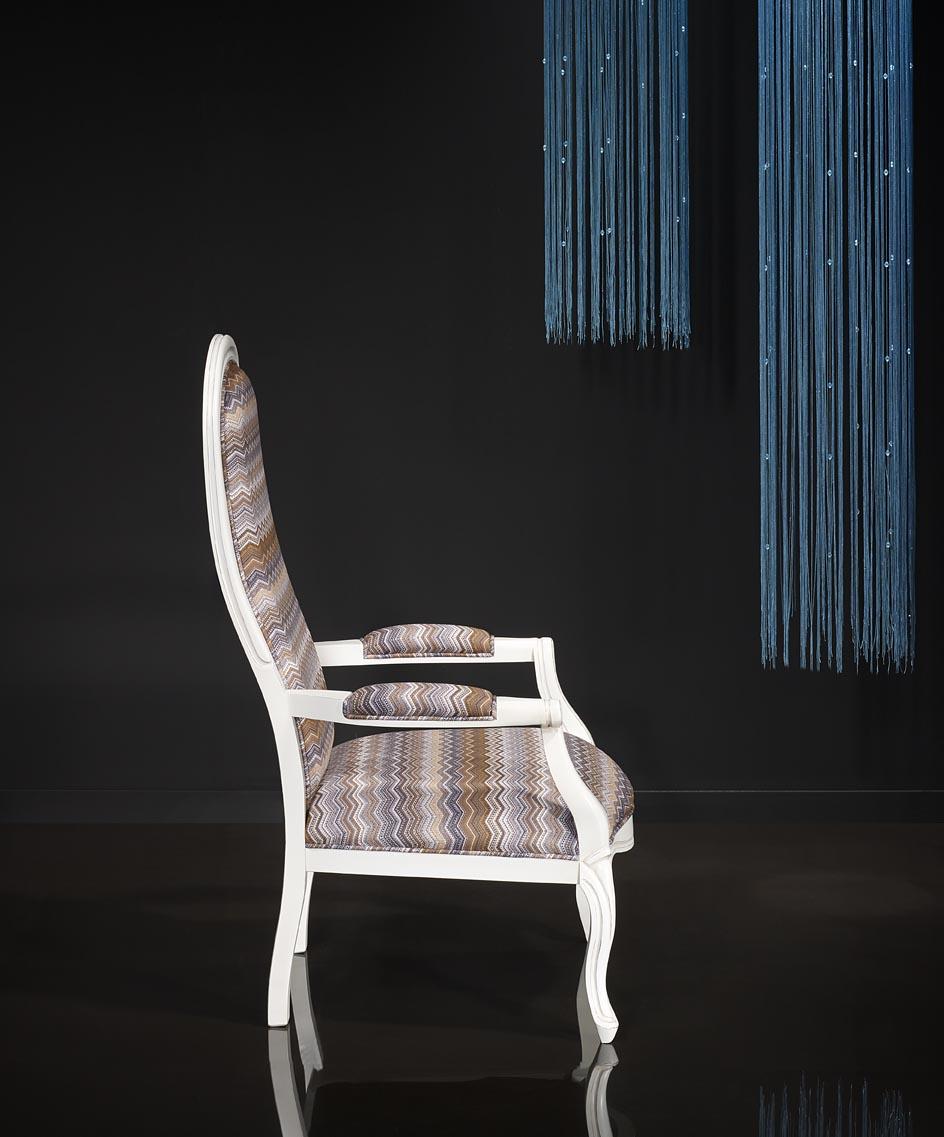 fauteuil voltaire en h tre massif laqu ivoire patin et us reste 1 meuble en merisier massif. Black Bedroom Furniture Sets. Home Design Ideas