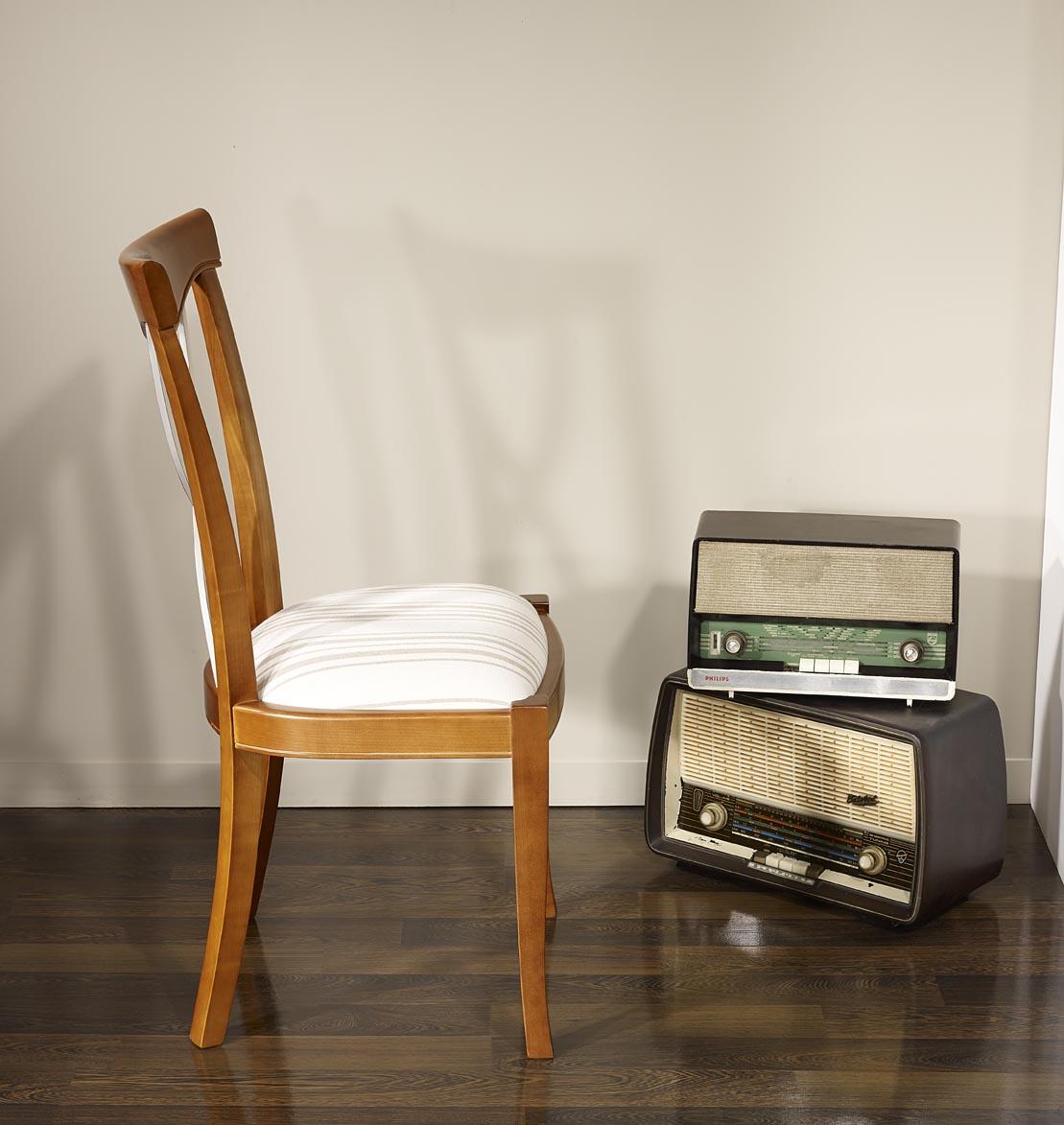 chaise lilas en merisier massif de style louis philippe meuble en merisier massif. Black Bedroom Furniture Sets. Home Design Ideas