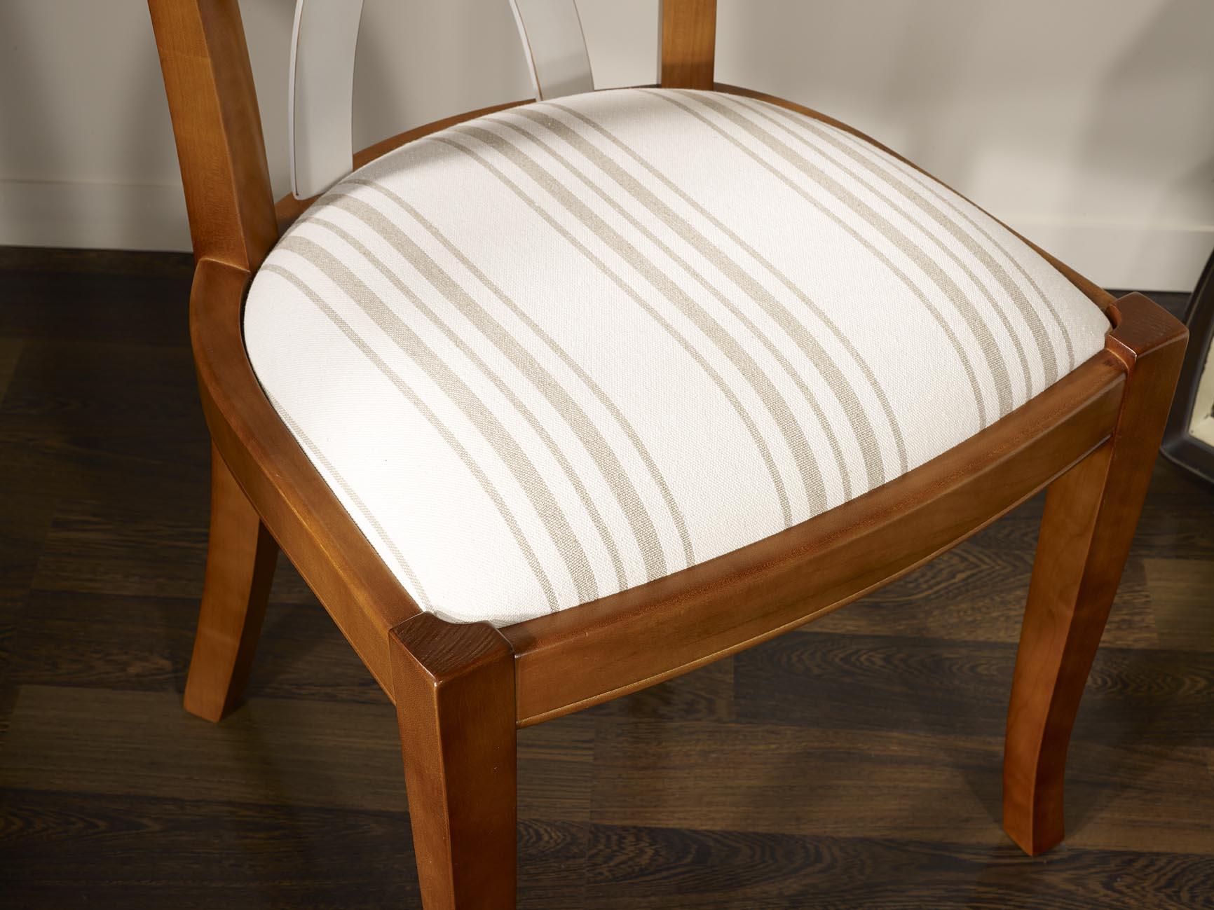 Chaise lilas en merisier massif de style louis philippe for Chaise meuble