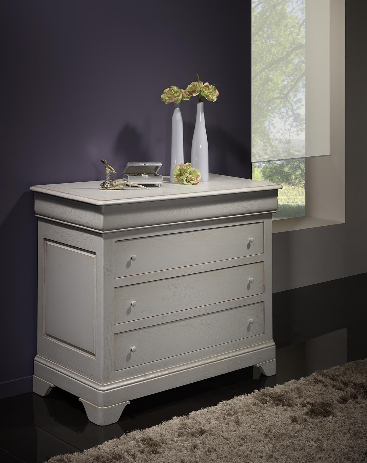 commode 4 tiroirs en ch ne massif de style louis philippe finition ch ne bross gris perle. Black Bedroom Furniture Sets. Home Design Ideas