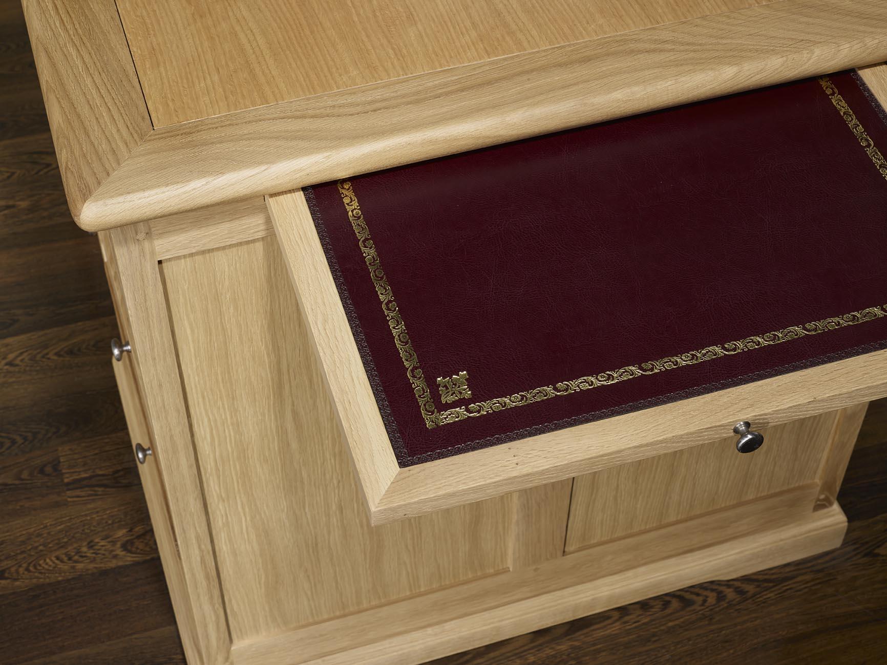 bureau ministre sp cial informatique en ch ne massif de style louis philippe finition chene. Black Bedroom Furniture Sets. Home Design Ideas