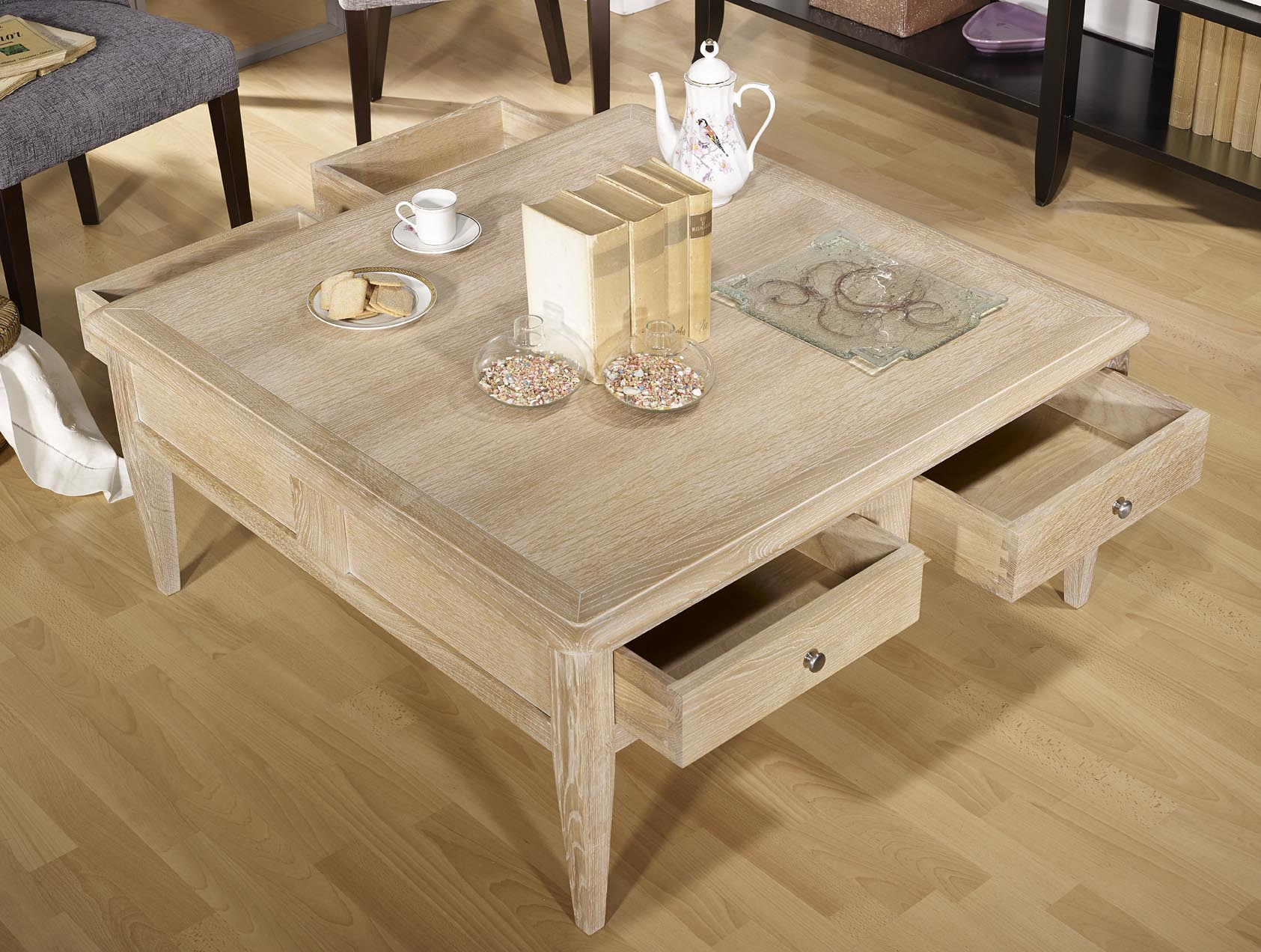 Table basse carr e justin em ch ne de style directoire for Table basse en chene massif