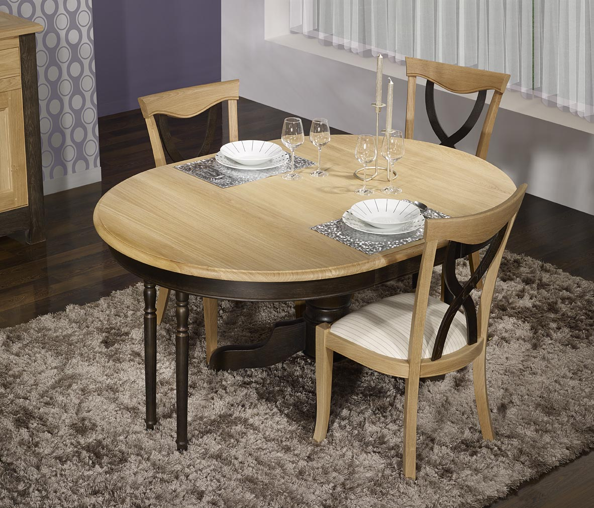 Table ronde pied central en ch ne massif de style louis for Table ronde 6 pieds
