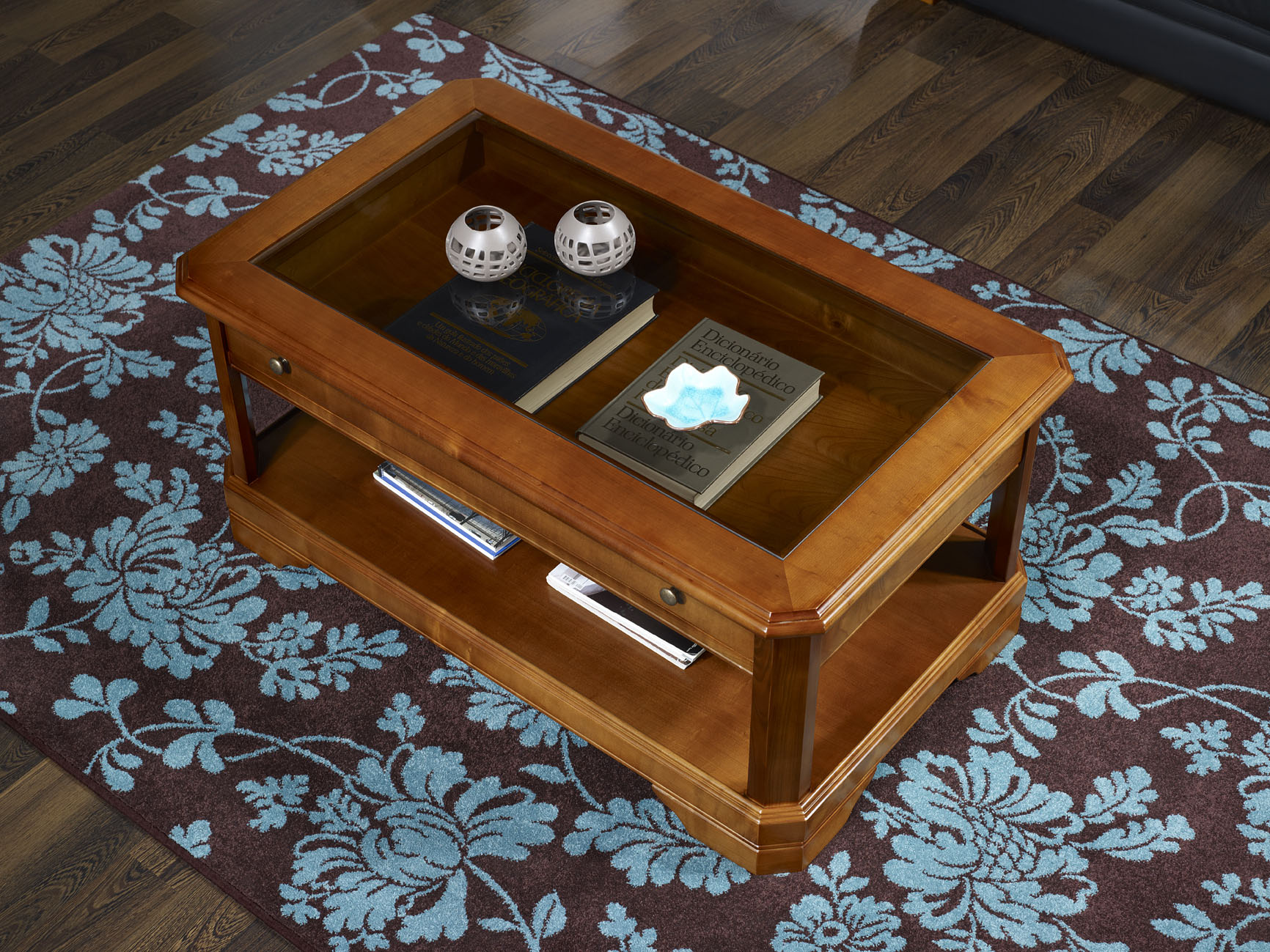 Table basse merisier massif for Vitrine en verre et bois