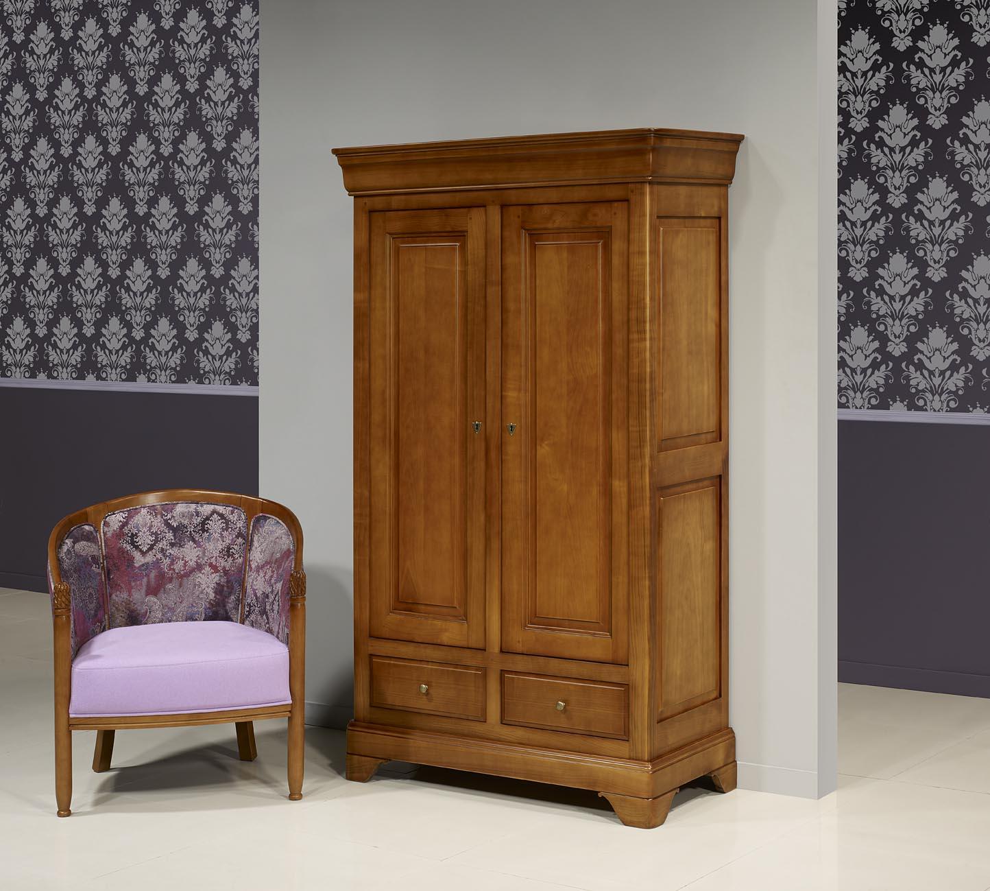 petite amoire en merisier massif de style louis philippe. Black Bedroom Furniture Sets. Home Design Ideas