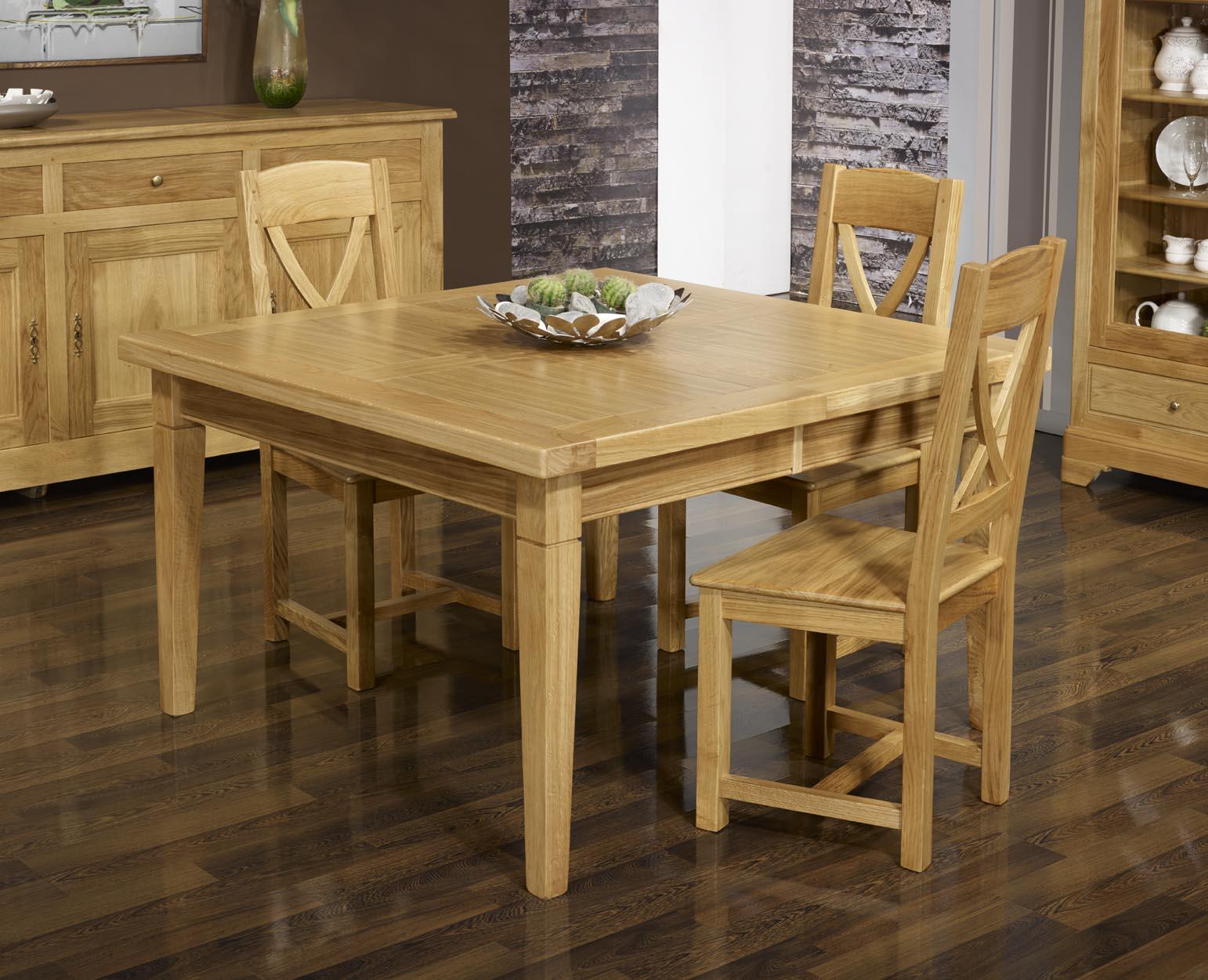Table de repas carr e en ch ne massif 150x150 meuble en for Table en chene