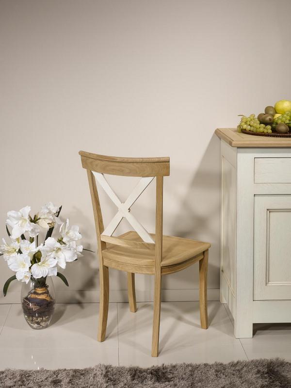chaise eliot en ch ne massif de style campagnard finition ch ne bross naturel et ivoire. Black Bedroom Furniture Sets. Home Design Ideas