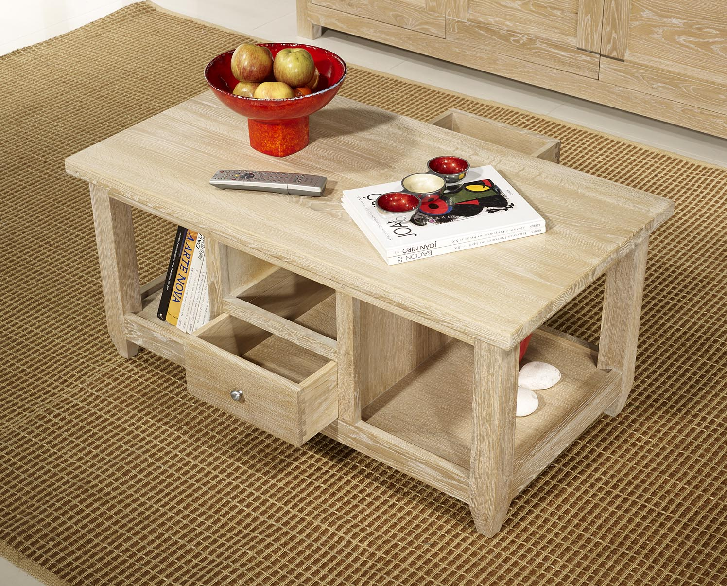 table basse thomas en ch ne massif de style campagnard finition ch ne bross blanchi meuble en. Black Bedroom Furniture Sets. Home Design Ideas