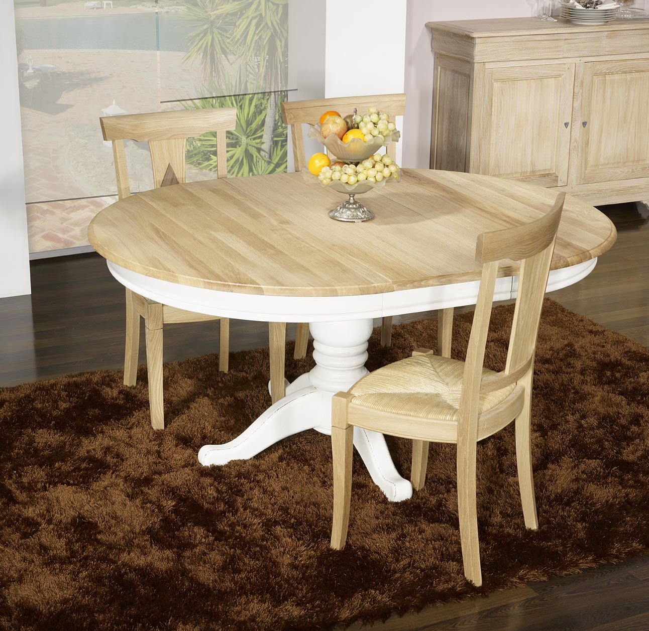 Table ronde pied central en ch ne massif de style louis for Table ronde en chene