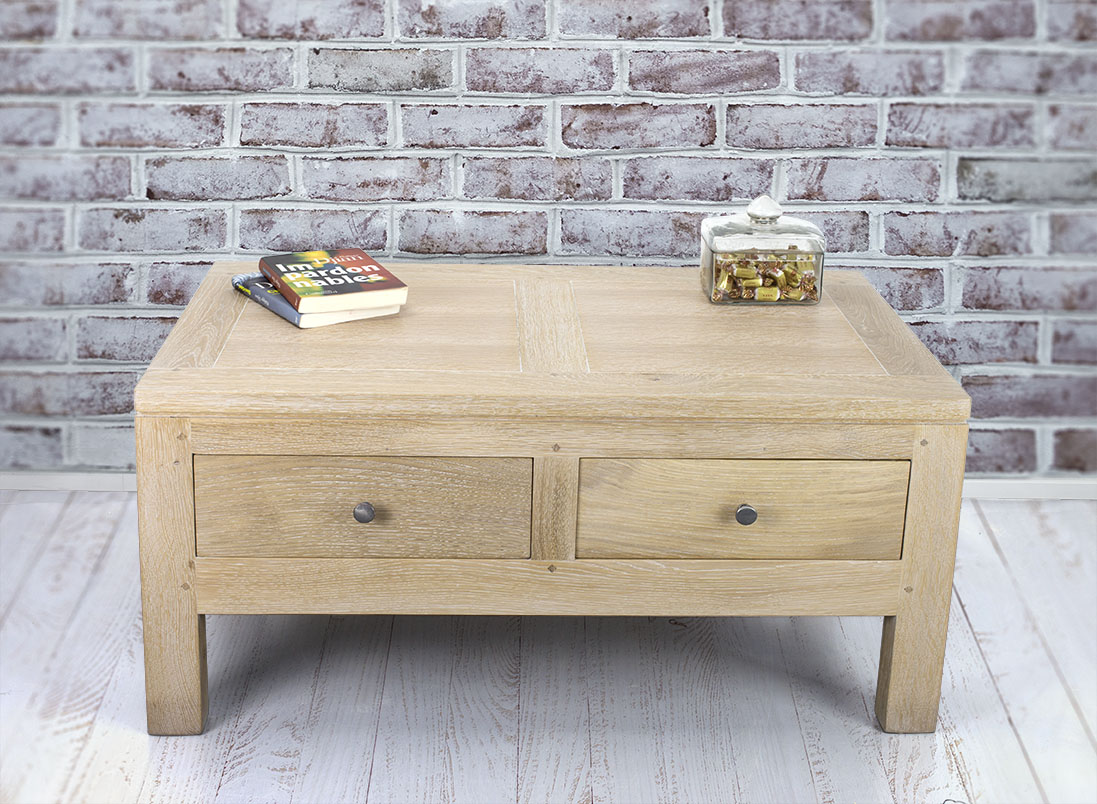 Table basse en ch ne massif ligne contemporaine finition for Table basse chene blanchi