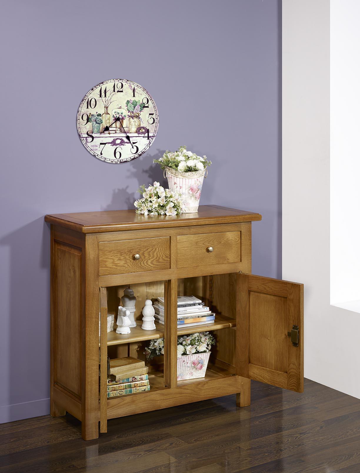 Petit buffet 2 portes 2 tiroirs en ch ne massif de style for Meuble audio en bois massif
