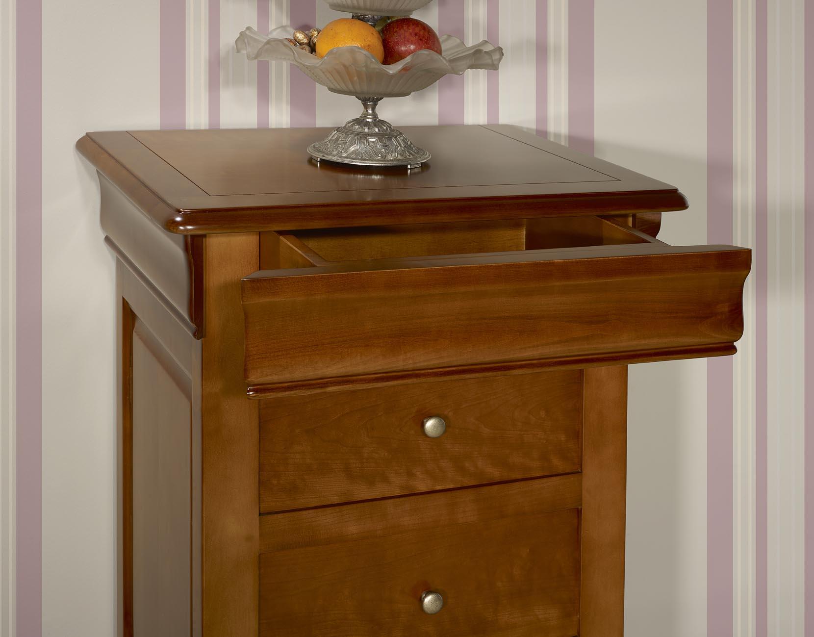 Chiffonnier 4 tiroirs en merisier massif de style louis for Meubles 4 tiroirs