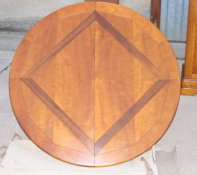 table ronde clémence plateau marqueté en merisier , meuble en