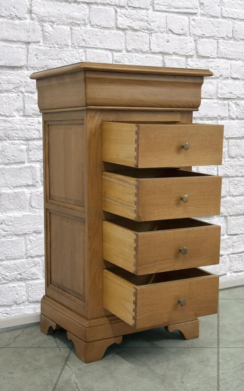 chiffonnier 5 tiroirs en ch ne massif de style louis philippe ch ne naturel avec l ger. Black Bedroom Furniture Sets. Home Design Ideas