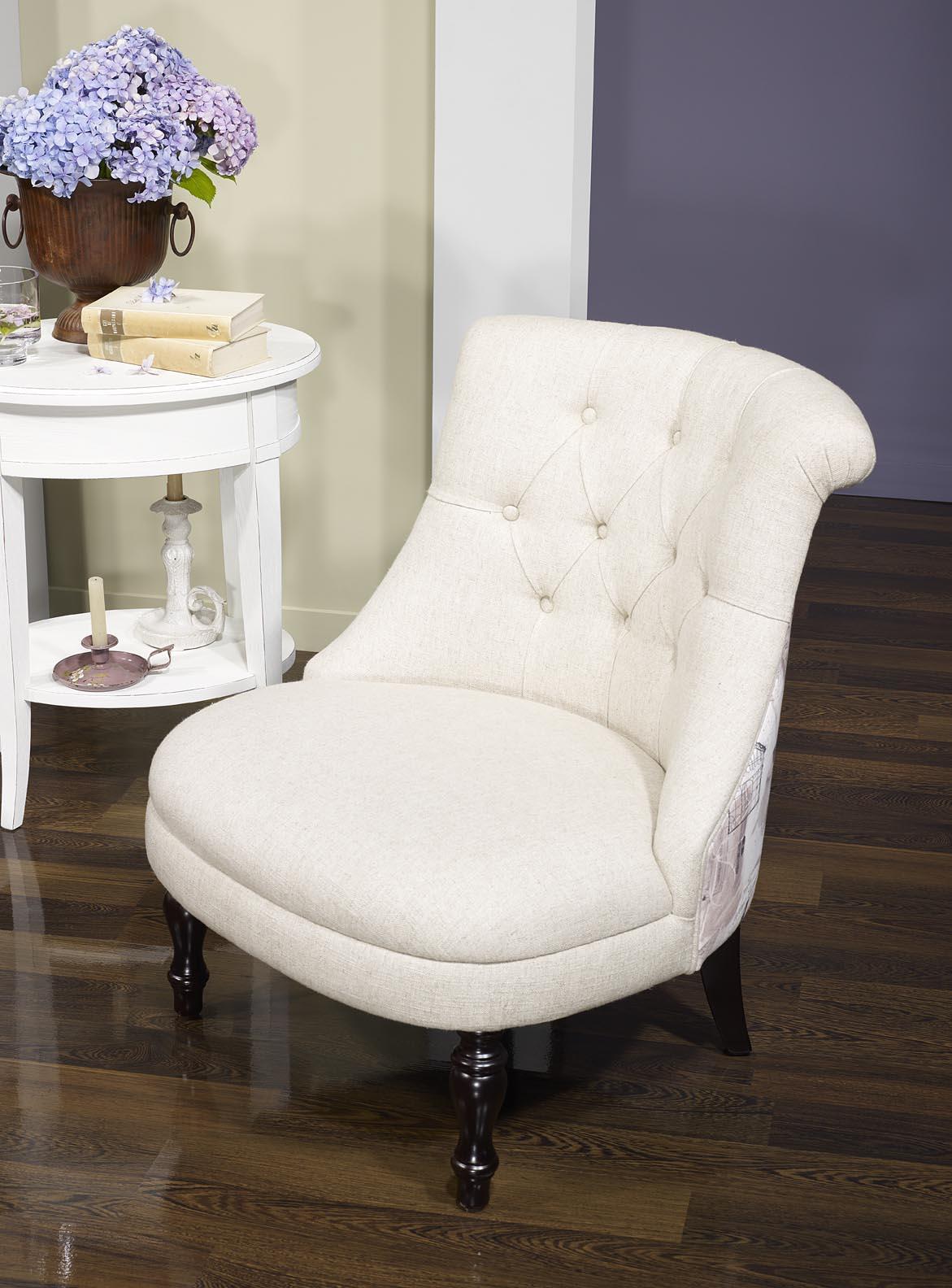 fauteuil crapaud en tissu lin capitonn beige avec motif floral meuble en ch ne massif. Black Bedroom Furniture Sets. Home Design Ideas