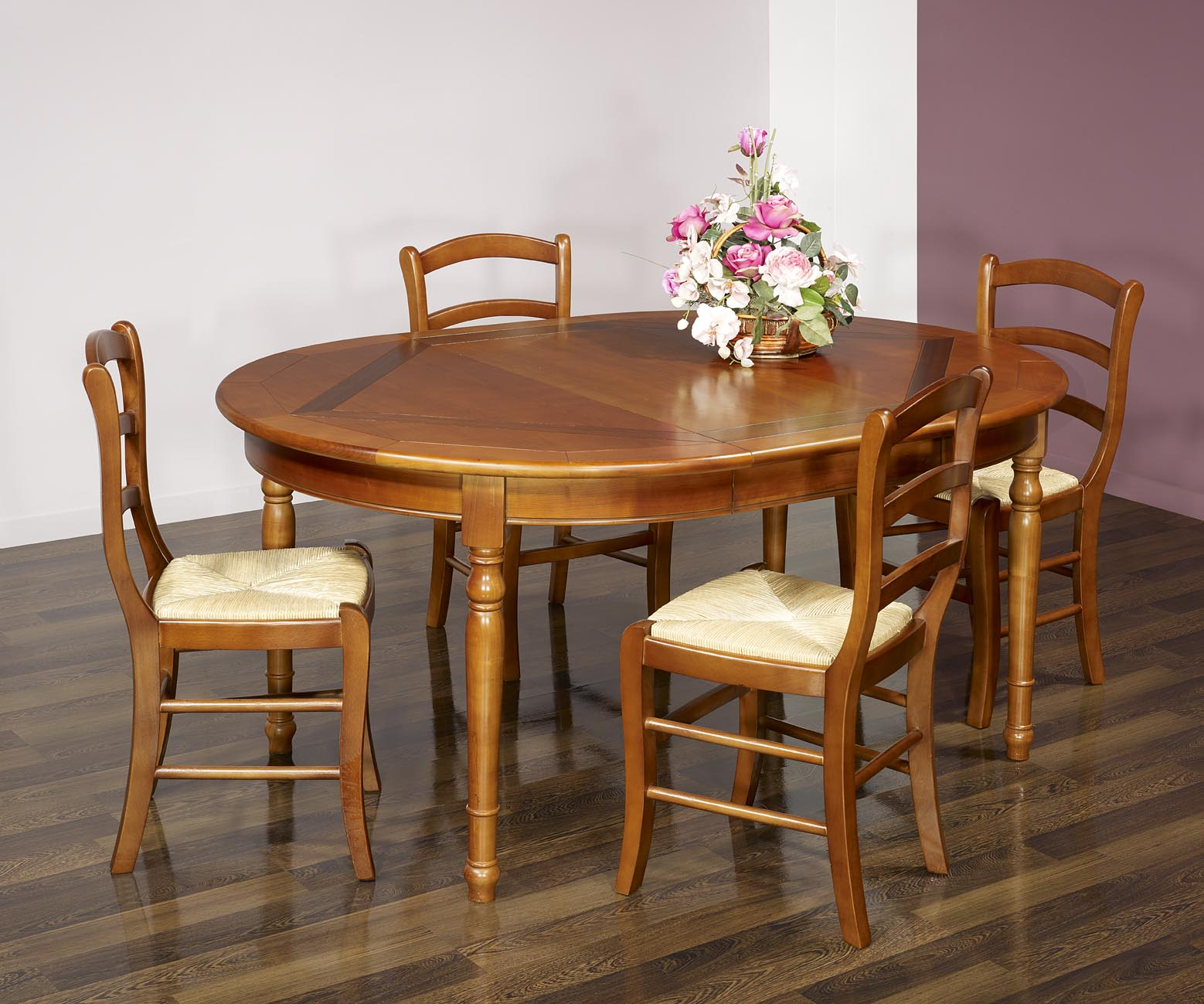 table ronde 4 pieds plateau marquett en merisier de style. Black Bedroom Furniture Sets. Home Design Ideas