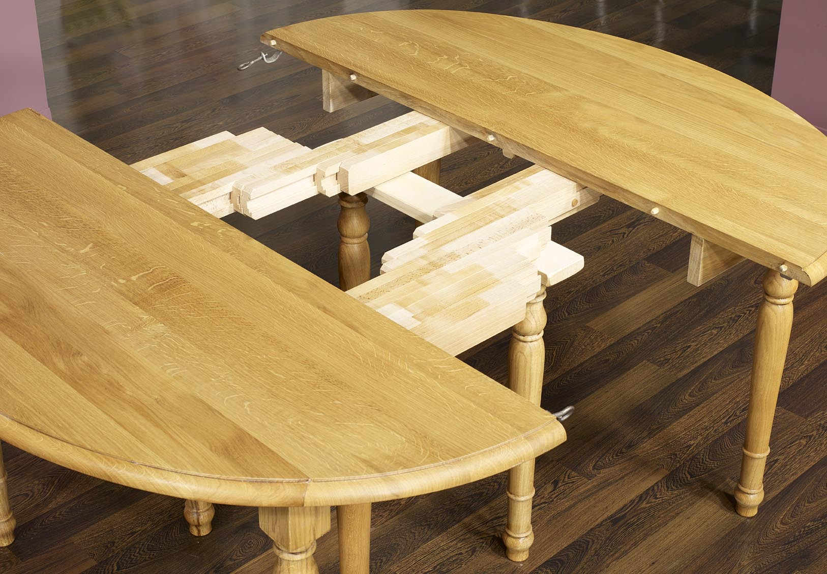 Table ovale volets 135x110 en ch ne massif de style for Table bois massif ovale
