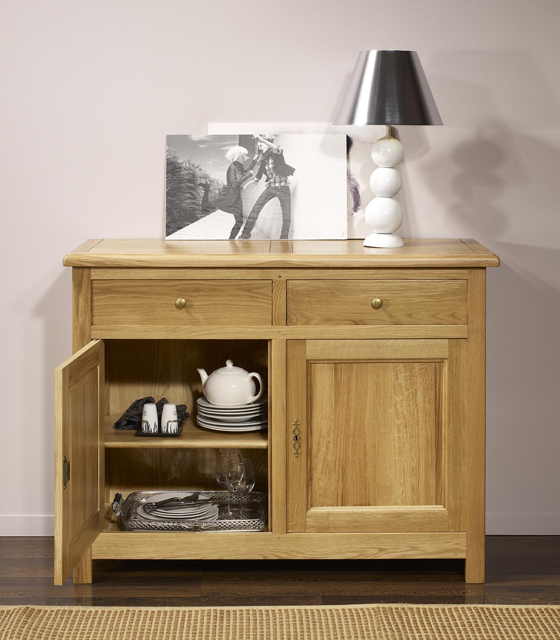 buffet 2 portes 2 tiroirs en ch ne massif de style campagnard meuble en ch ne massif. Black Bedroom Furniture Sets. Home Design Ideas