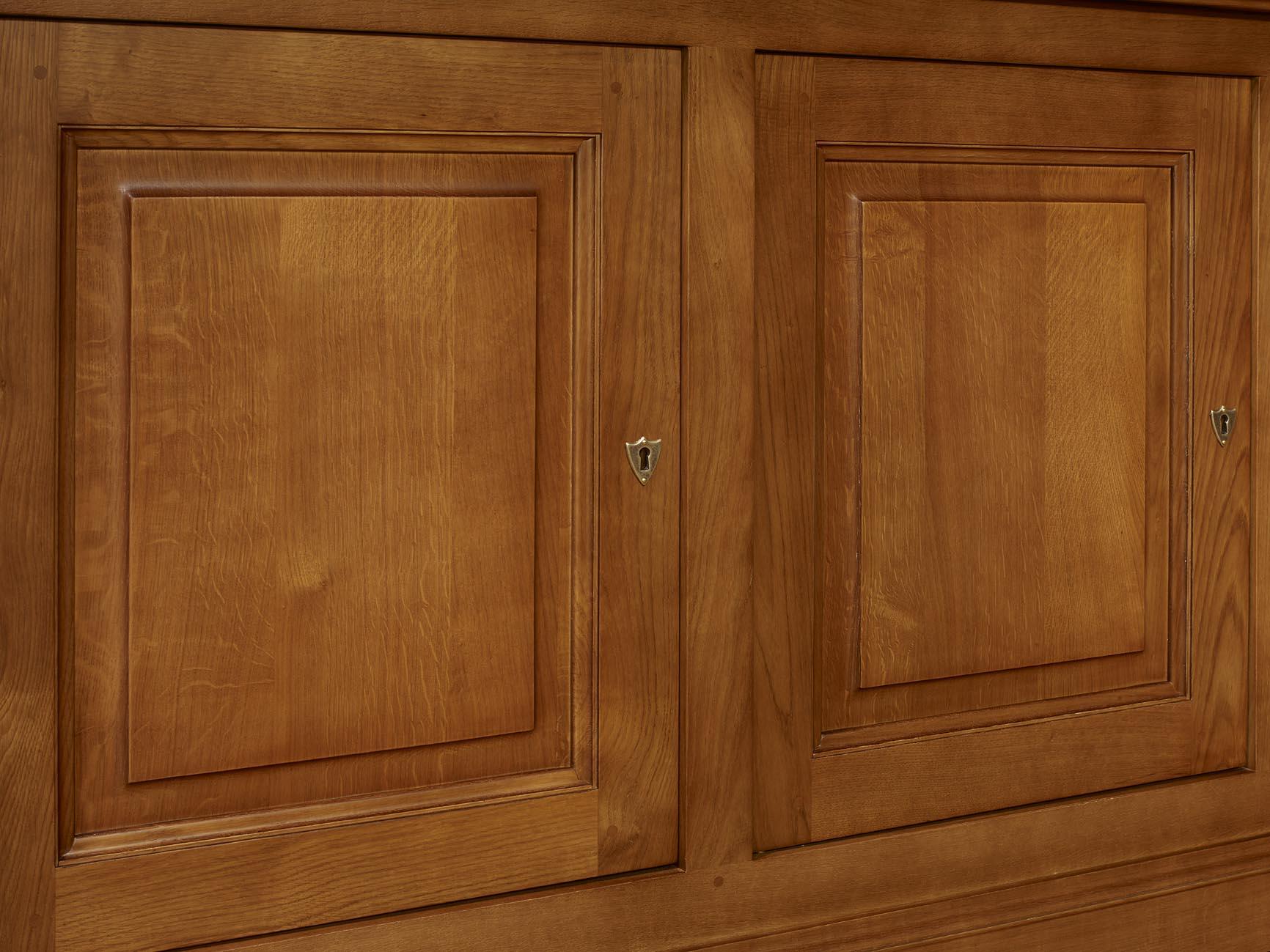 buffet 4 portes jean baptiste en ch ne massif de style louis philippe finition ch ne moyen. Black Bedroom Furniture Sets. Home Design Ideas