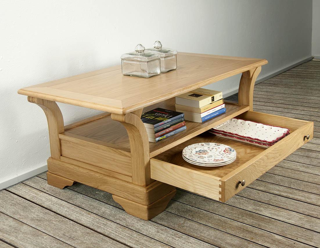 Table basse bertrand en ch ne massif de style louis for Table bois chene massif