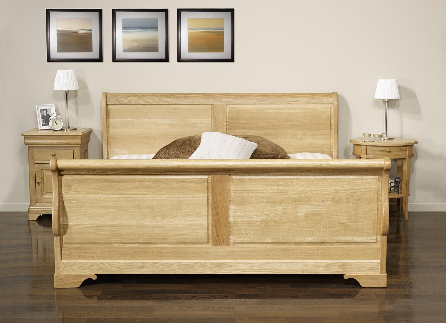 lit bateau en ch ne massif 180 200 de style louis philippe meuble en ch ne massif. Black Bedroom Furniture Sets. Home Design Ideas