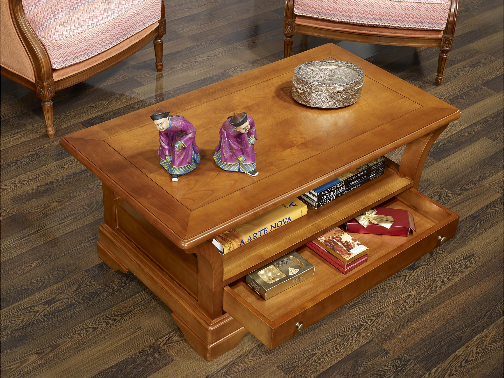 Table basse constance en merisier massif de style louis for Table basse en merisier