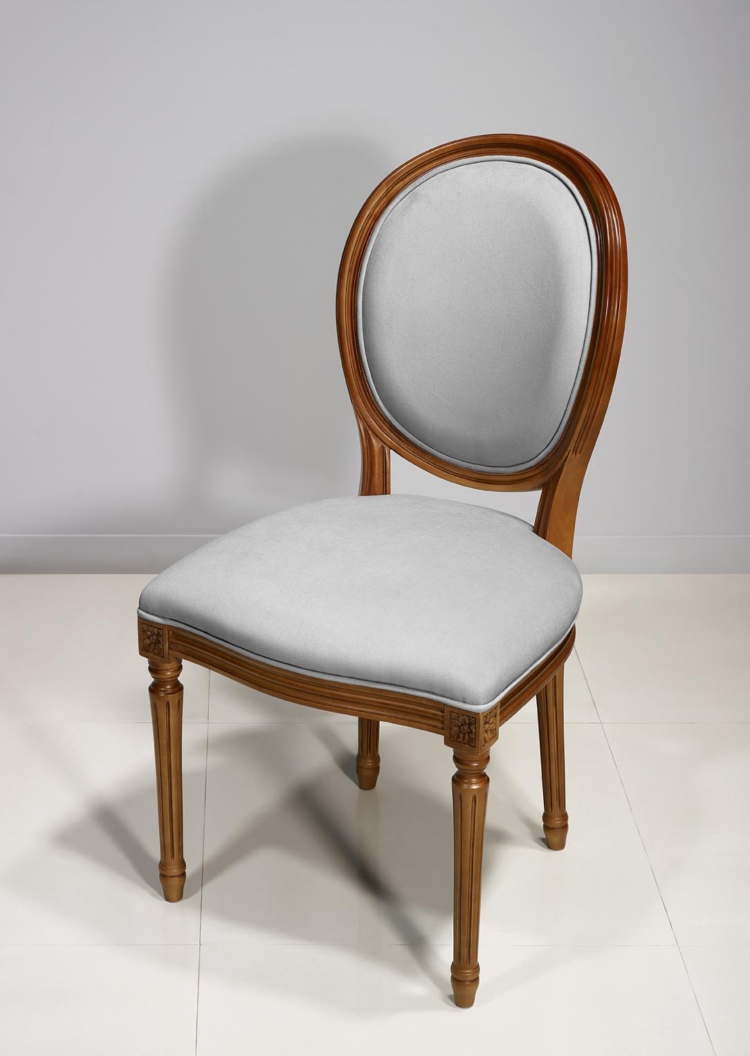 Chaise Emeline En Merisier Massif De Style Louis Xvi Meuble En  # Meuble Tv Louis Xvi