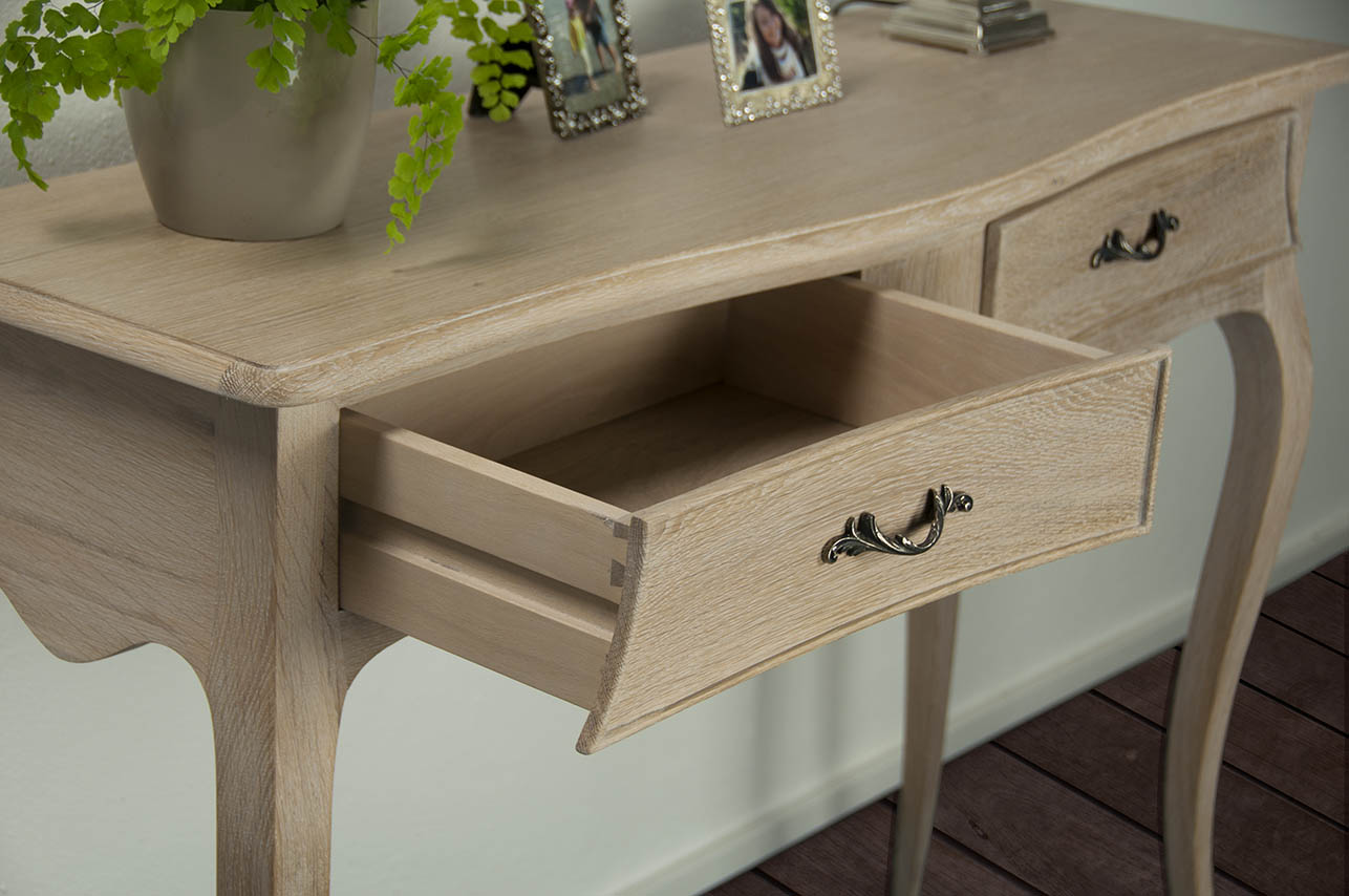 console anne luce en ch ne de style louis xv finition ch ne bross meuble en ch ne massif. Black Bedroom Furniture Sets. Home Design Ideas