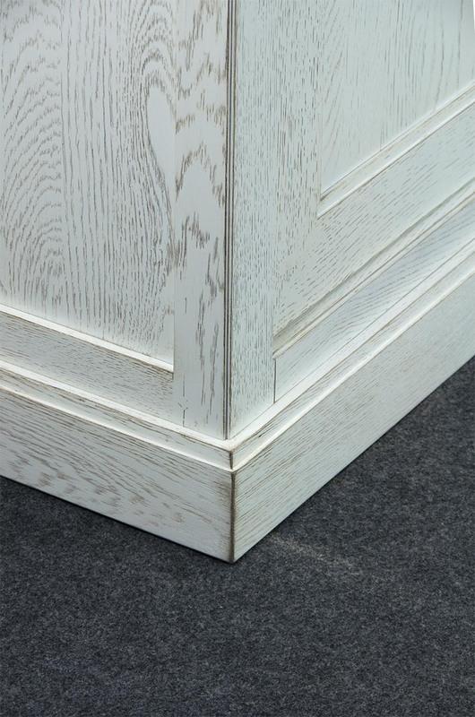 buffet 3 portes jules en ch ne massif de ligne contemporaine meuble en ch ne massif. Black Bedroom Furniture Sets. Home Design Ideas