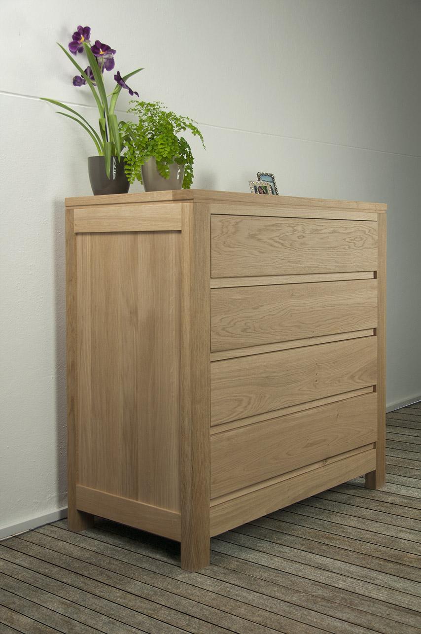 commode 4 tiroirs ricardo en ch ne massif de style. Black Bedroom Furniture Sets. Home Design Ideas