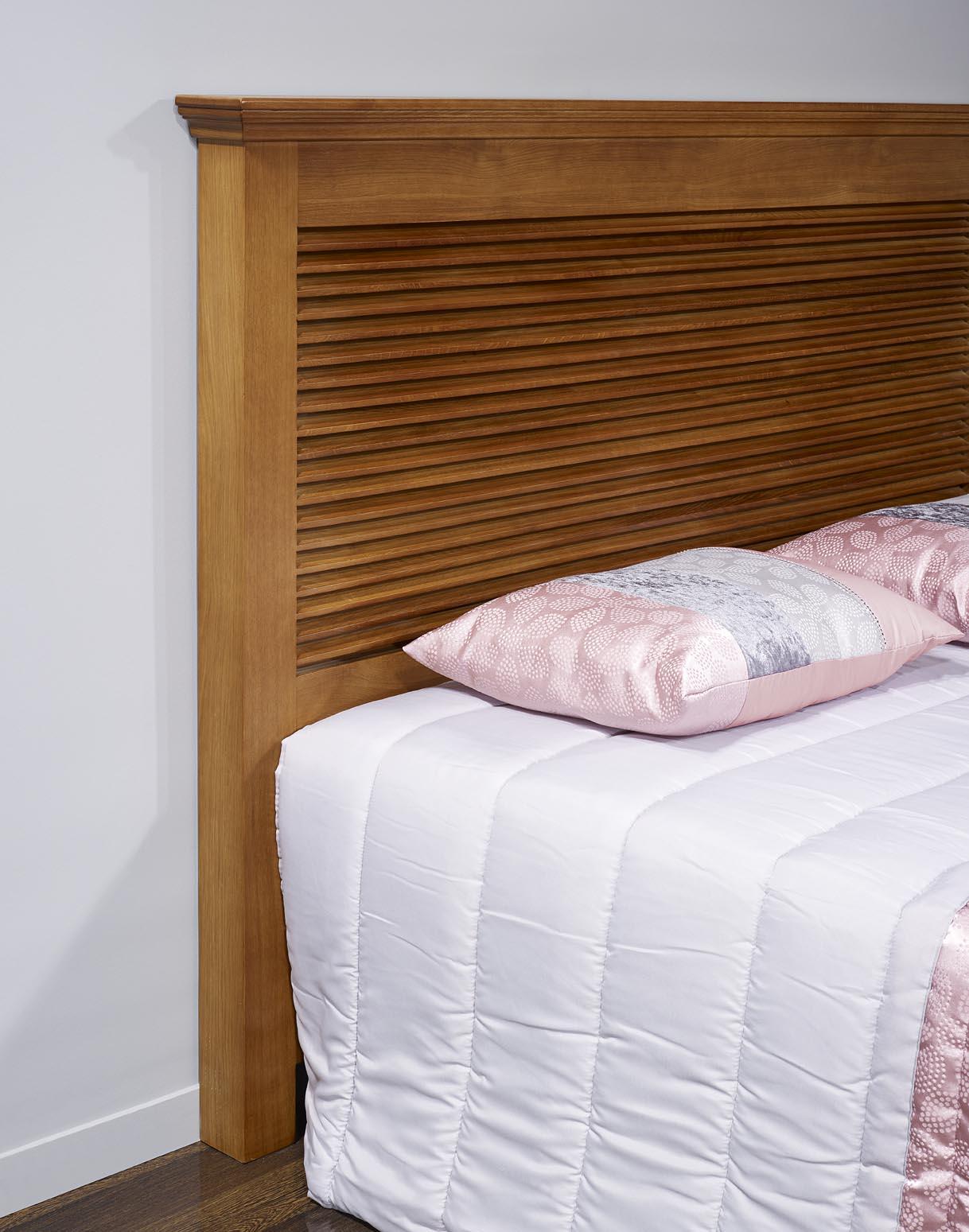 t te de lit en ch ne massif de style campagne meuble en ch ne massif. Black Bedroom Furniture Sets. Home Design Ideas