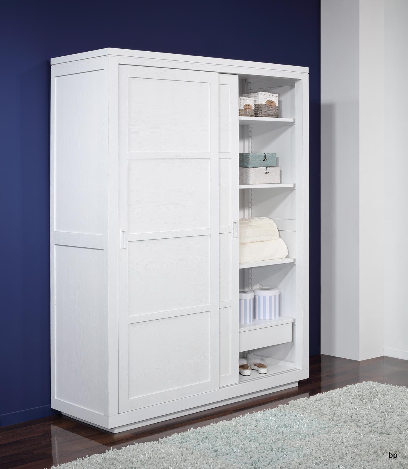 armoire 2 portes coulissantes julien en ch ne de ligne contemporaine finition ch ne bross. Black Bedroom Furniture Sets. Home Design Ideas