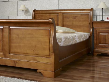 Lit bateau jean manuel 140x190 en merisier massif de style louis philippe meuble en merisier for Lit bois massif
