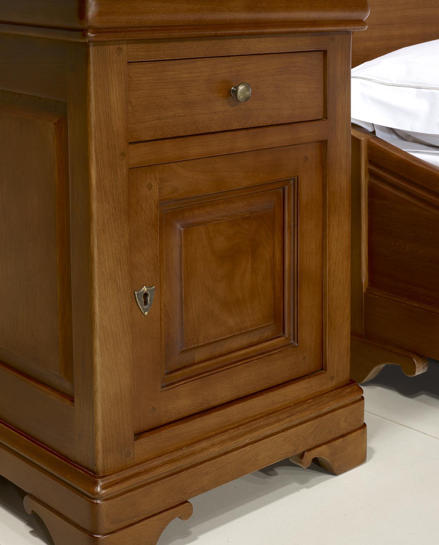 chevet 1 porte 2 tiroirs guillaume en ch ne massif de style louis philippe finition ch ne moyen. Black Bedroom Furniture Sets. Home Design Ideas