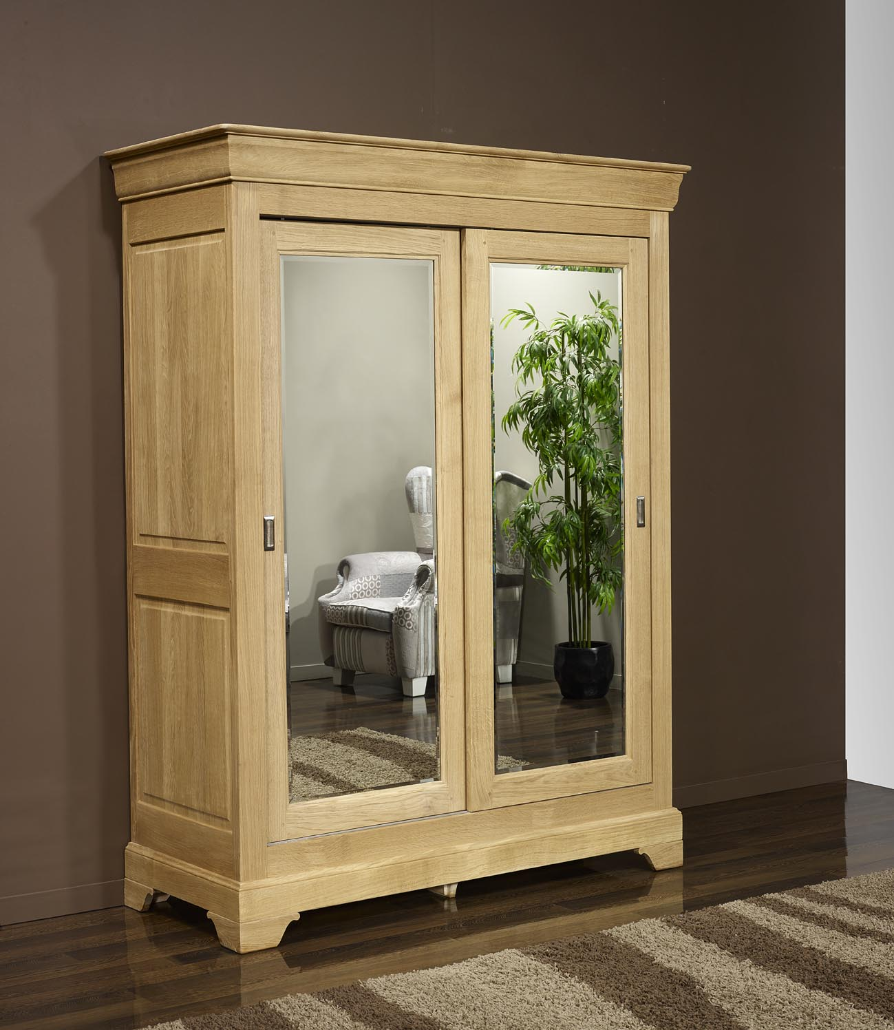 armoire bois massif porte coulissante grand armoire pin. Black Bedroom Furniture Sets. Home Design Ideas