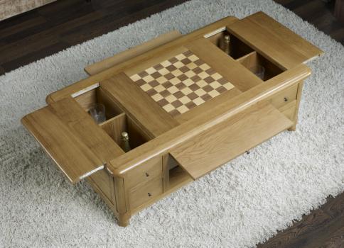 table basse jeu d 39 chec en ch ne de style louis philippe meuble en ch ne massif. Black Bedroom Furniture Sets. Home Design Ideas