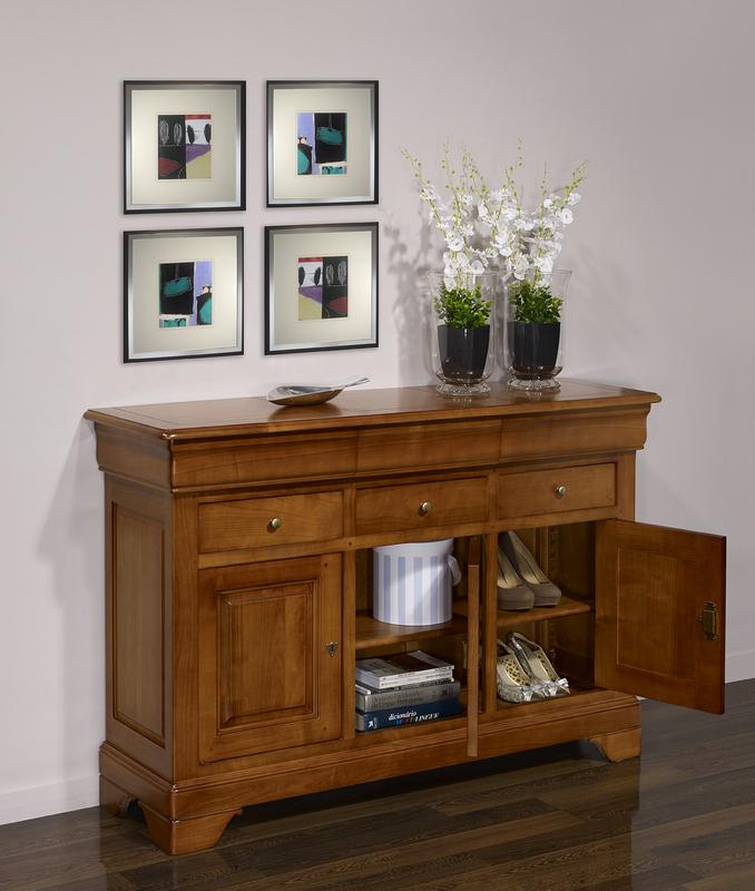 Petit buffet 3 portes camille en merisier massif de style for Finition de meuble en bois