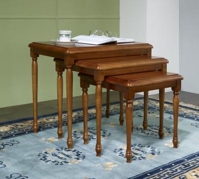 table gigognes en merisier massif de style louis philippe meuble en merisier massif. Black Bedroom Furniture Sets. Home Design Ideas