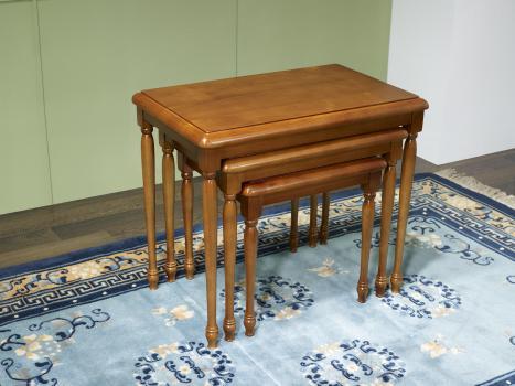 Table Gigognes En Merisier Massif De Style Louis Philippe Meuble
