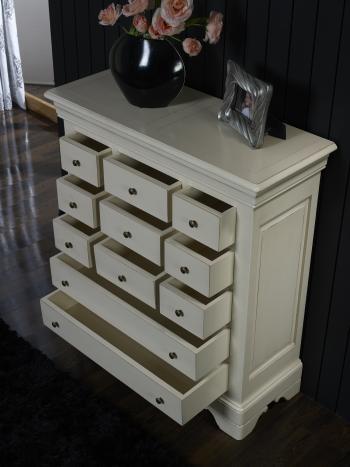 commode 11 tiroirs anne laure en merisier massif de style. Black Bedroom Furniture Sets. Home Design Ideas